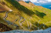 4 of the Best Alpine Passes to Drive a Luxury Car